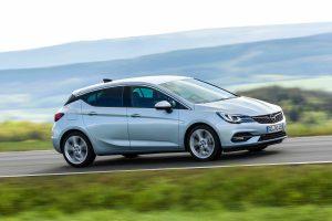 Миналата година Astra се класира на девето място в европейските продажби в масовия компактен сегмент. Показан е текущият модел.
