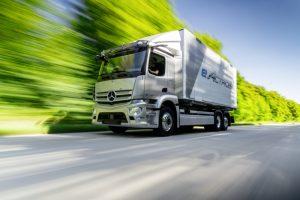 Daimler Truck AG und CATL bauen globale Partnerschaft aus: gemeinsame Entwicklung hochmoderner Lkw-spezifischer Batterien und Liefervereinbarung über 2030 hinaus Daimler Truck AG and CATL expand global partnership: joint development of sophisticated truc