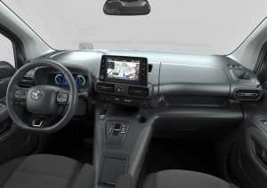800_20210504-proace-city-verso-electric-interior-high