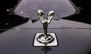 Духът на Екстаза или Сребърната лейди е на капака на прочутата британска марка/Bloomberg