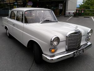 800px-Mercedes-Benz_W110_200D,_2019-05-31,_2_(cropped)
