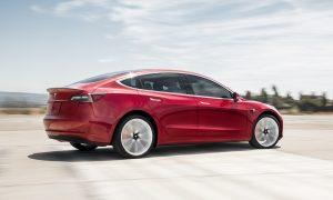 Силното търсене на новия Model 3 помогна за увеличаване на продажбите на Tesla през юни в Европа с повече от 215%