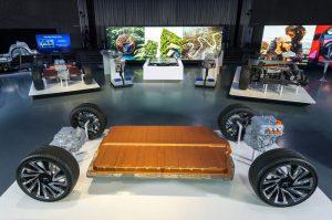 GM показва нова гъвкава глобална платформа на изложбен етаж в GM Design Dome.