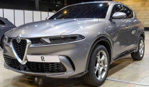 Показаният компактен Tonale ще бъде разположен под средния SUV на Alfa Romeo Stelvio