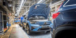 volvo-c40-recharge-produktion-production-2021-02-min